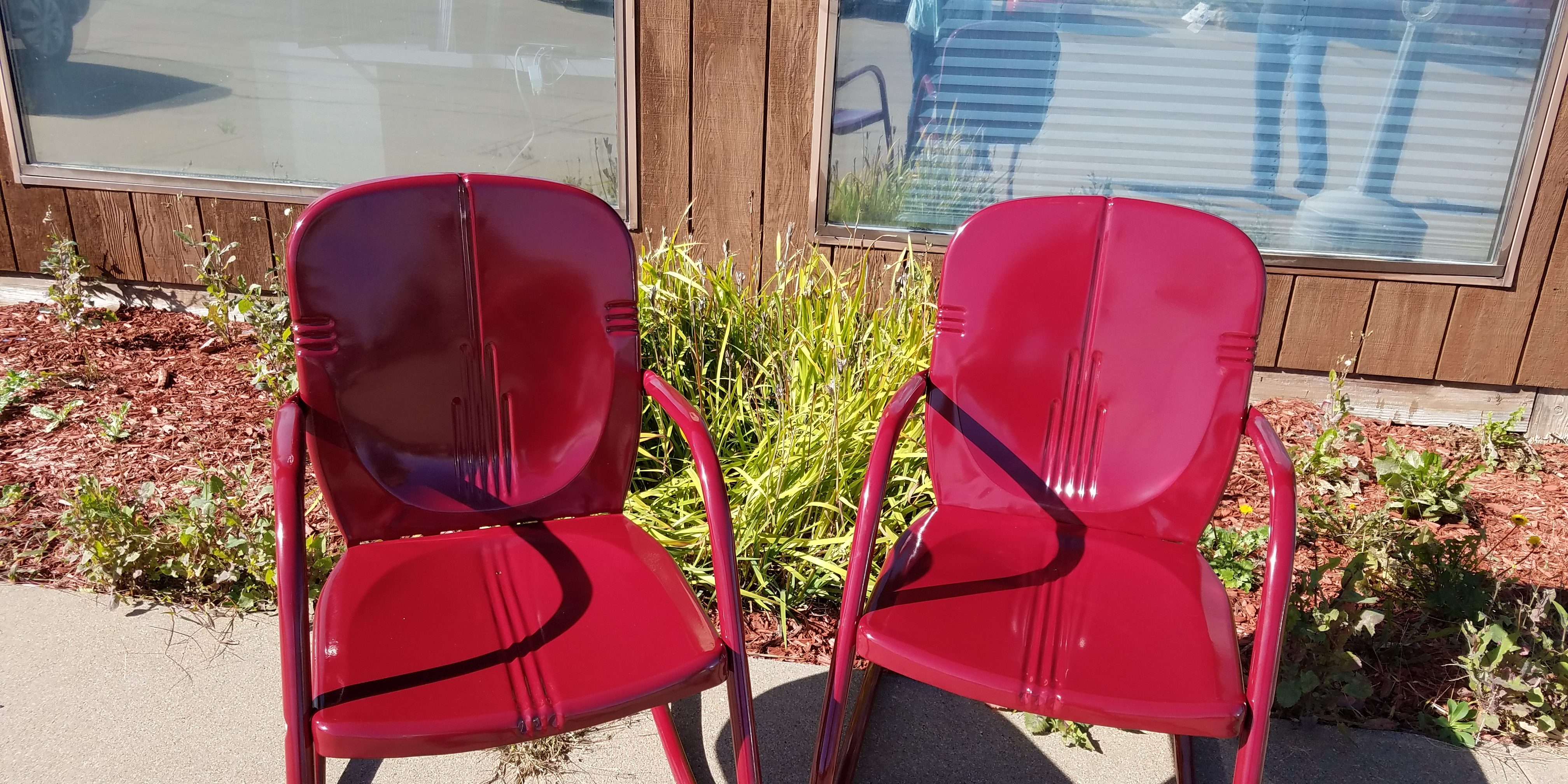 Custom powder coated king and queen outdoor chairs